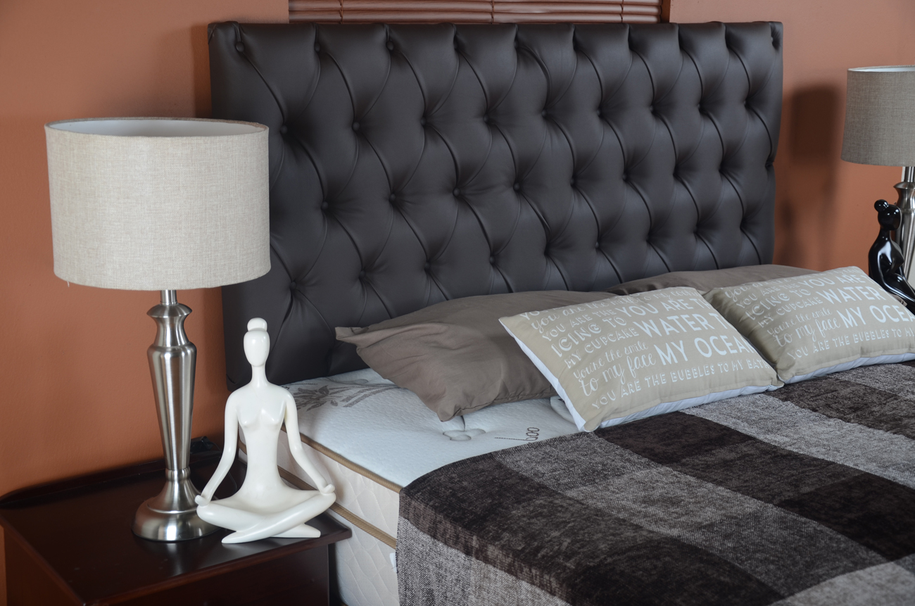 Chesterfield headboard modernize bedroom for less for Decor discount