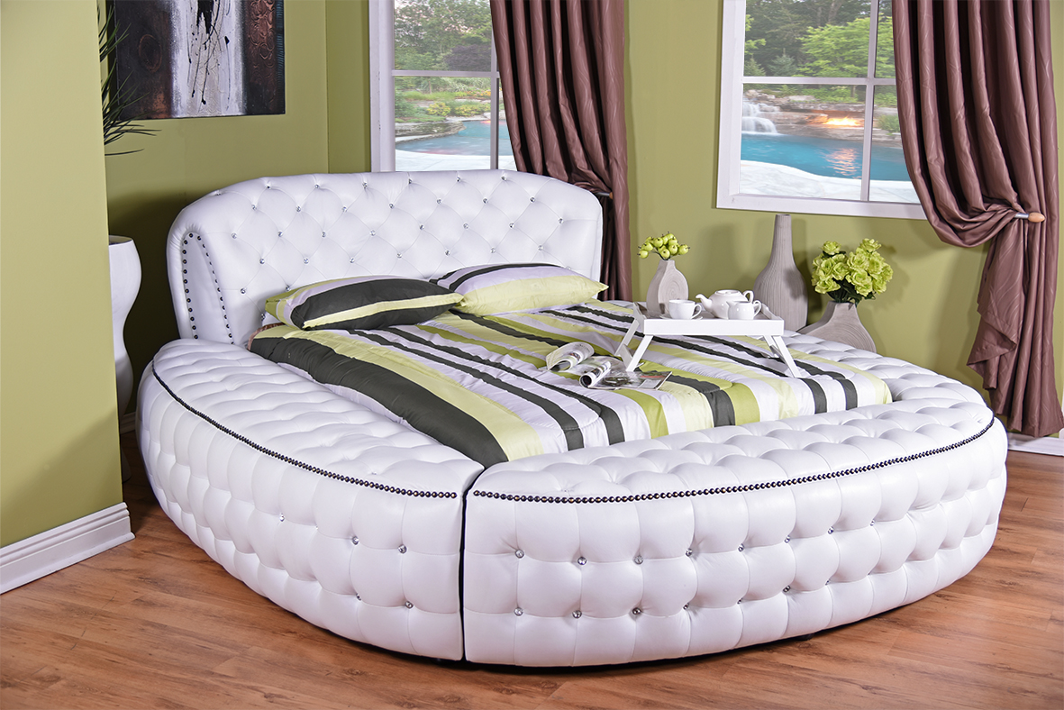 Round bed bedroom