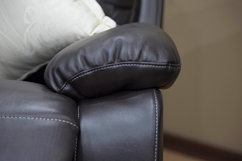 Baron-Recliner-Lounge-Suite-armrest